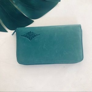 Buxton Dk Green Velvet Cowhide Leather Wallet